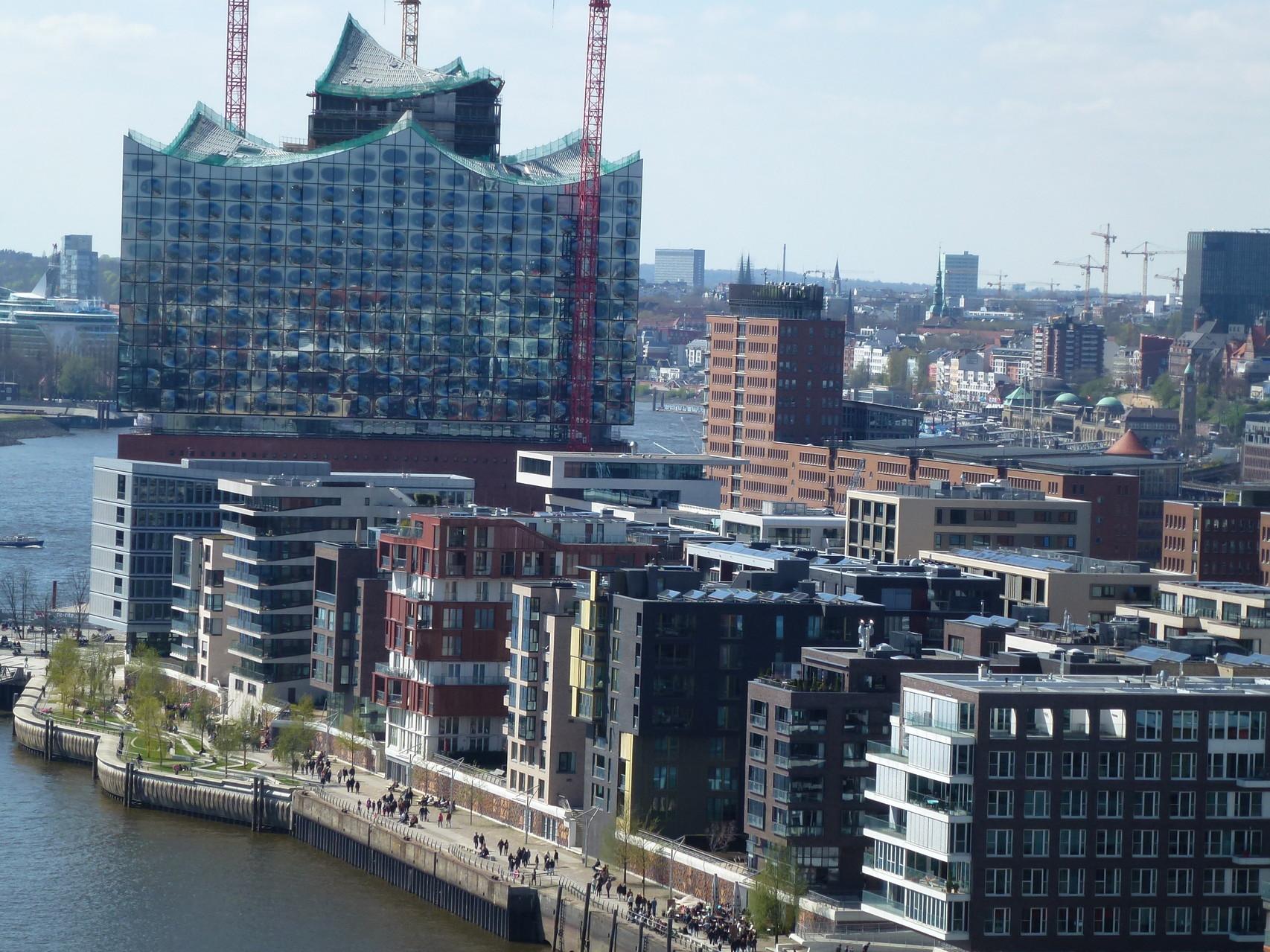 Blick vom Riesenrad zur Elbphilharmonie