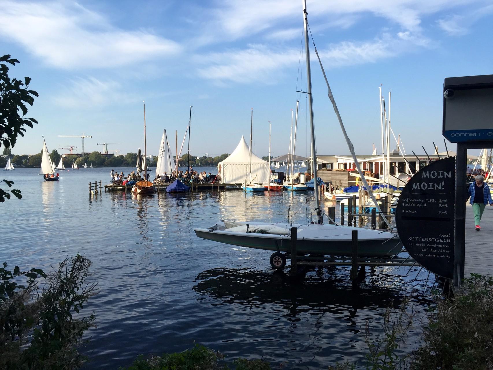 Bootsanleger an der Alster