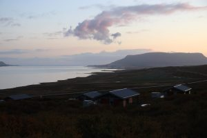 Unser Hotel mit Blick auf den Fjord