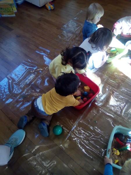 jeux sensoriels : à la découverte d'objets