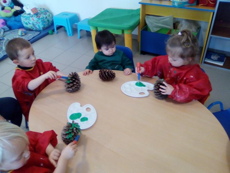Décoration de pomme de pin pour Noël