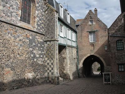 ruelles médiévales de Saint Valéry sur somme ville haute la villa Saint Val chambre d'hôtes