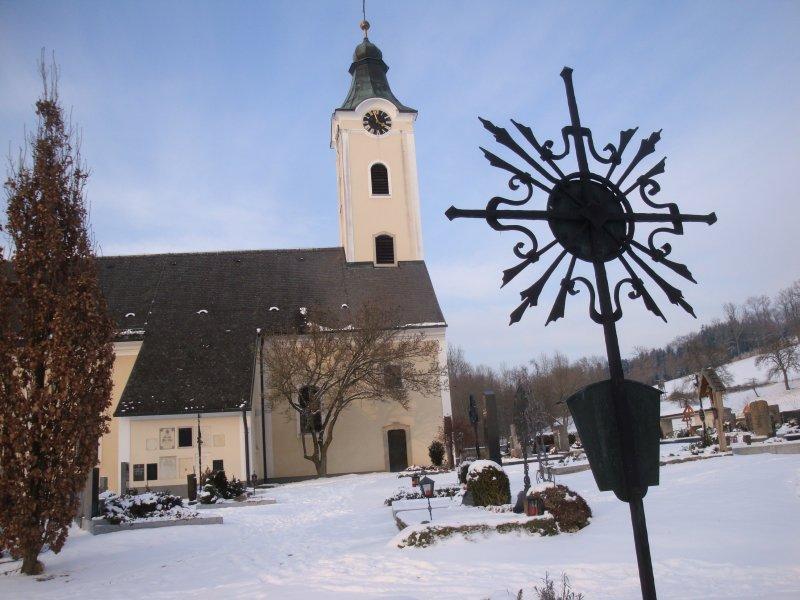 Schönauer Kirche mit Friedhof Bad Schallerbach
