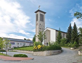 Lourdeskirche als Walfahrtskirche im Ort