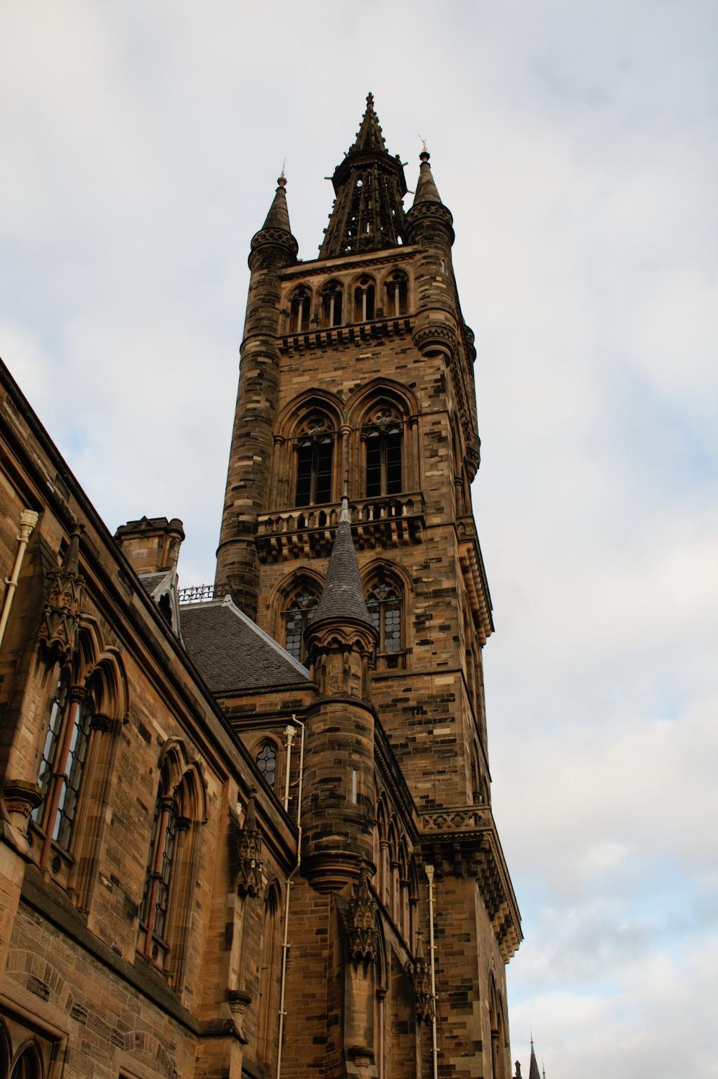 Ein paar Stunden in Glasgow - Universität Hauptturm - Zebraspider DIY Anti-Fashion Blog