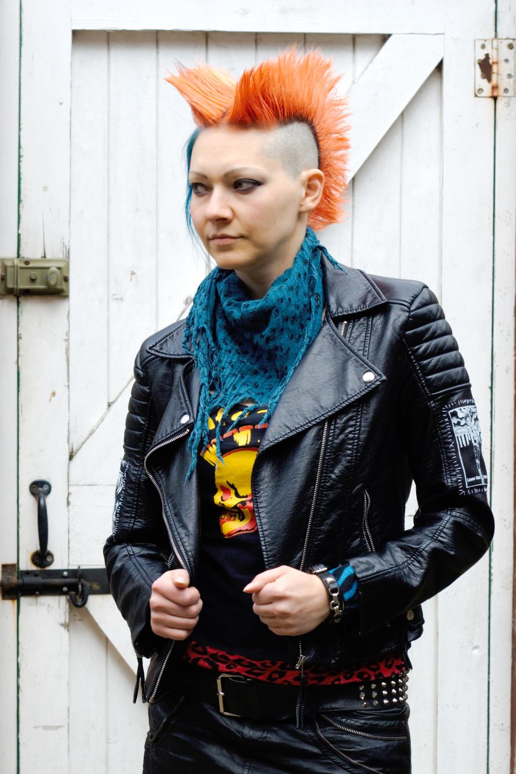 Projekt Lederjacke & politische Gedanken - Second Hand und Kreativität - Zebraspider DIY Anti-Fashion Blog