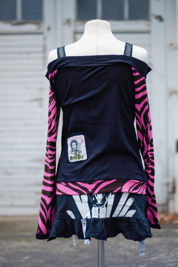 Sex Pistols Longsleeve mit pinkem Zebra - Zebraspider Flohmarkt