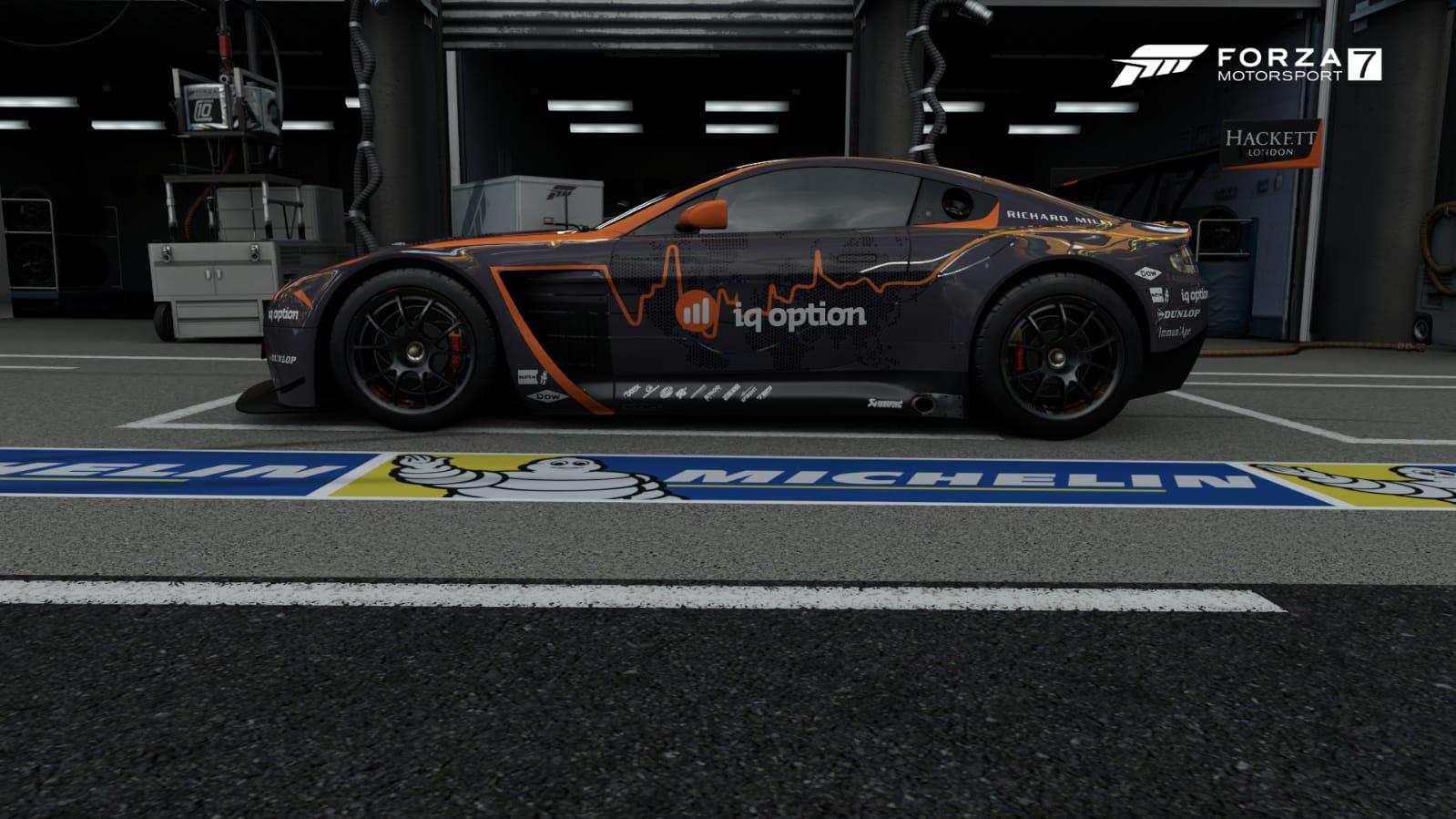 2017 #7 Aston Martin Vantage V12 GT3