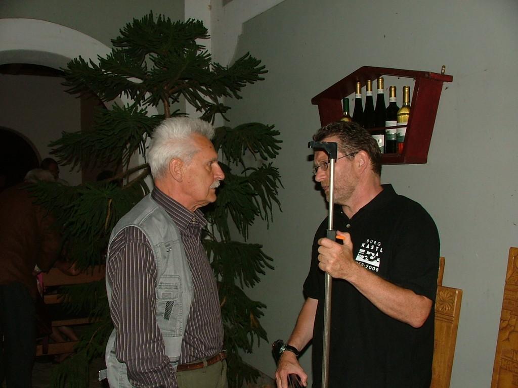 Bajusz és Szilágyi Zoli komoly beszélgetés közben