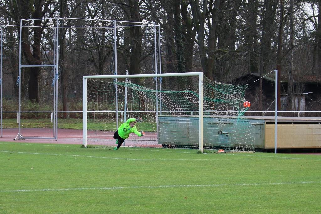 Elfmeter zum 0:1 für Spaki (20.)