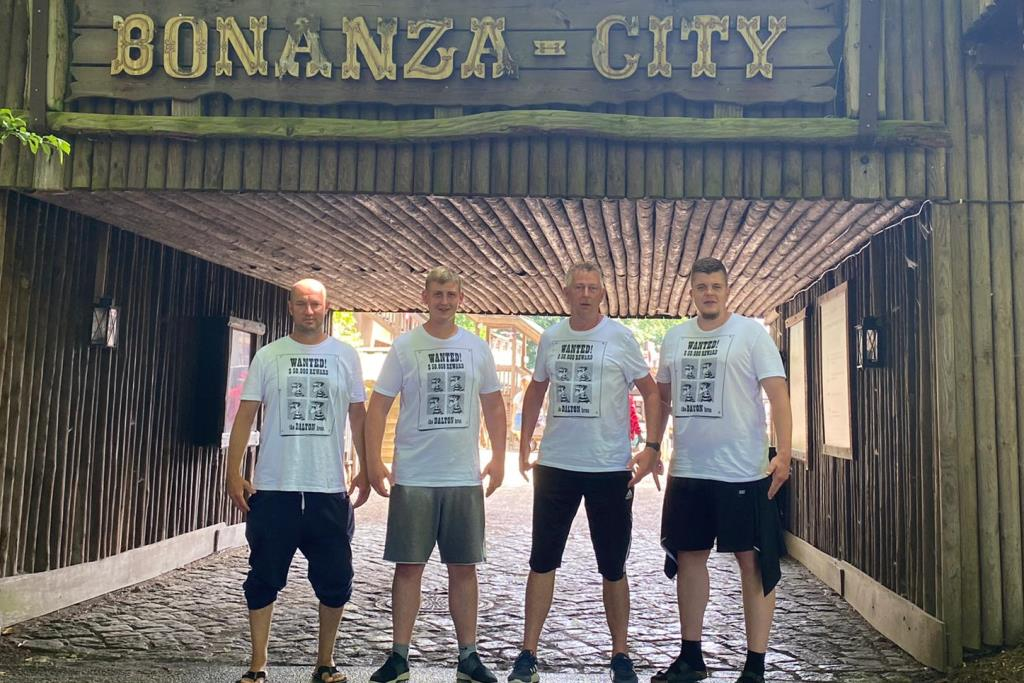 Die Daltons räumen in Bonanza-City auf