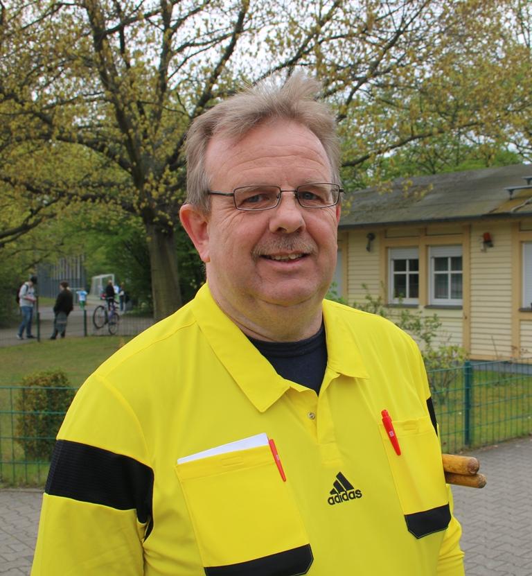 Schiedsrichter Thomas Rathmann: souverän!