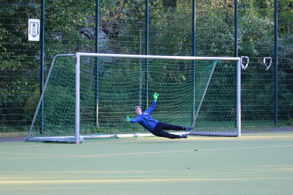 1:0 für Hilalspor per Freistoß. Gut geschossen.