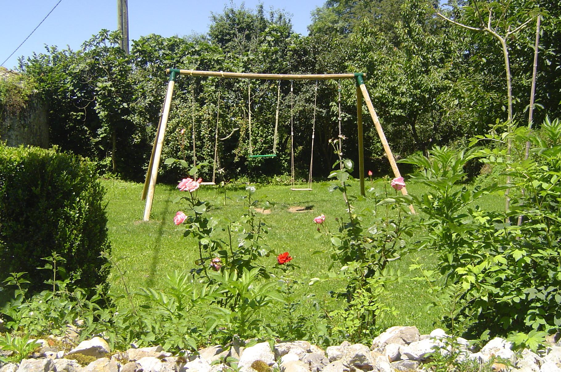 Espace pour les enfants avec le portique