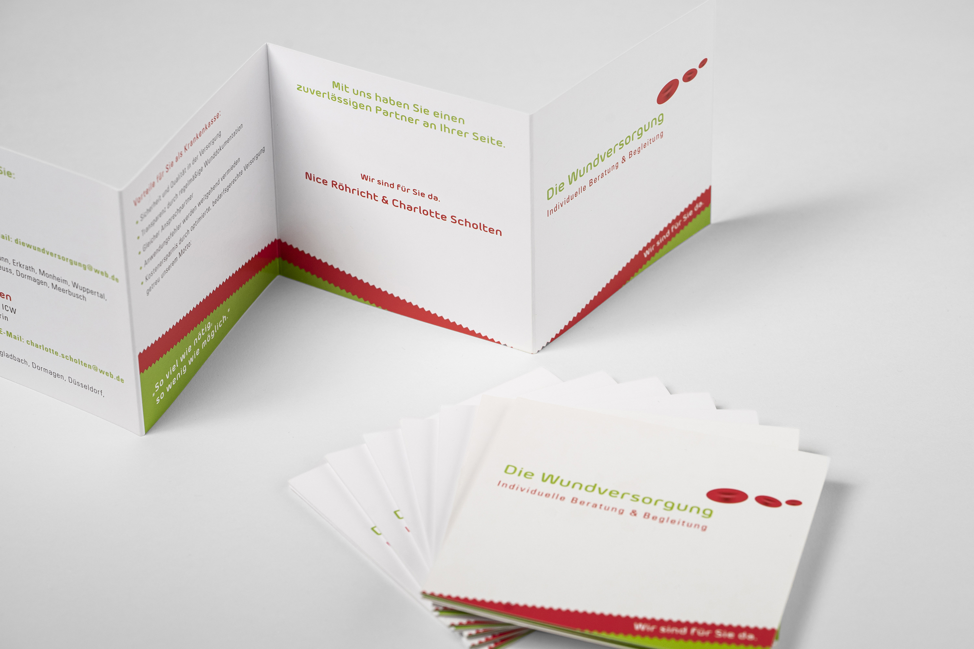 positive Farben: Visitenkarten & Folder
