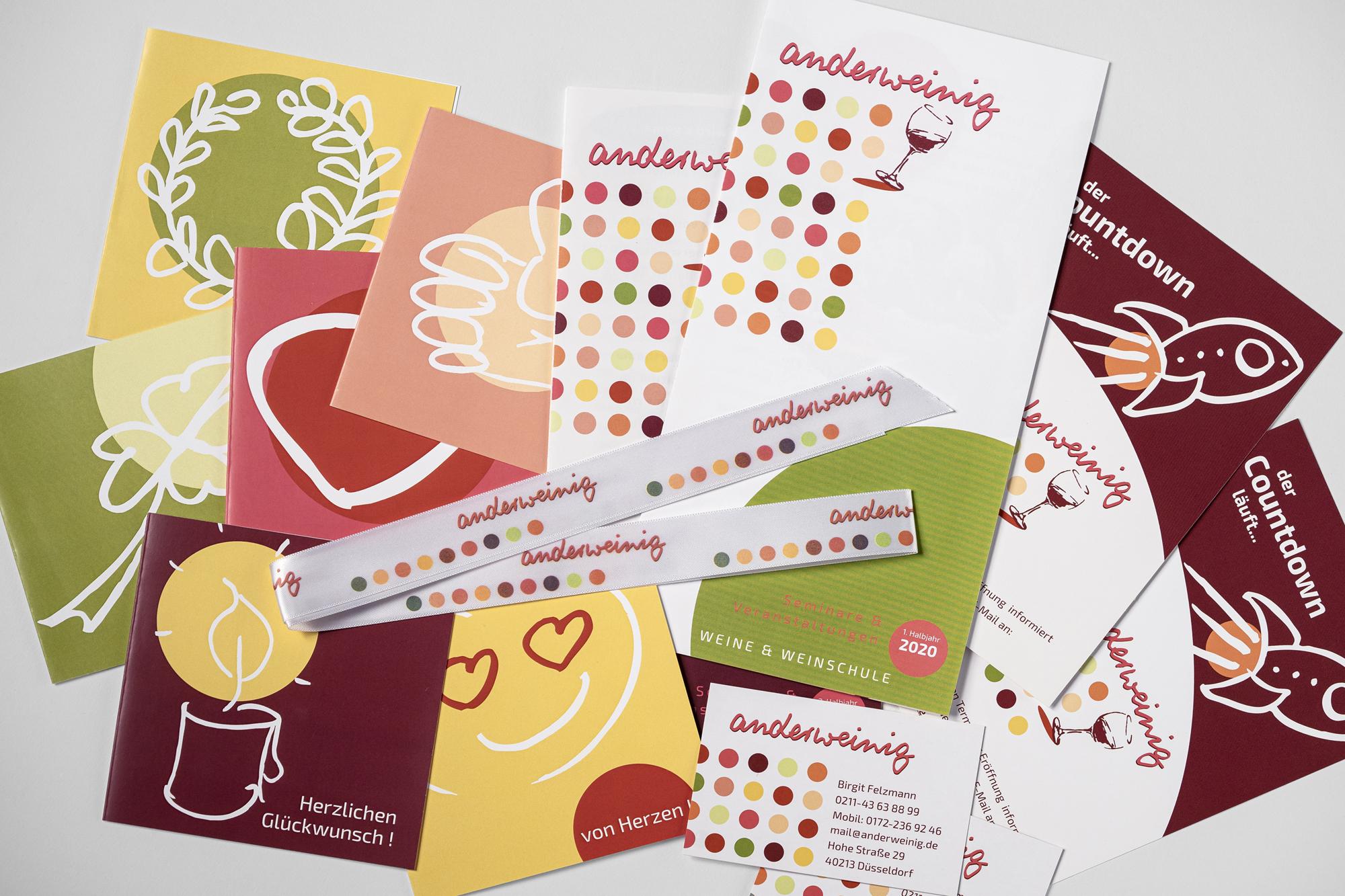 alle Druckmedien inkl. Geschenkband – passend zum Corporate Design