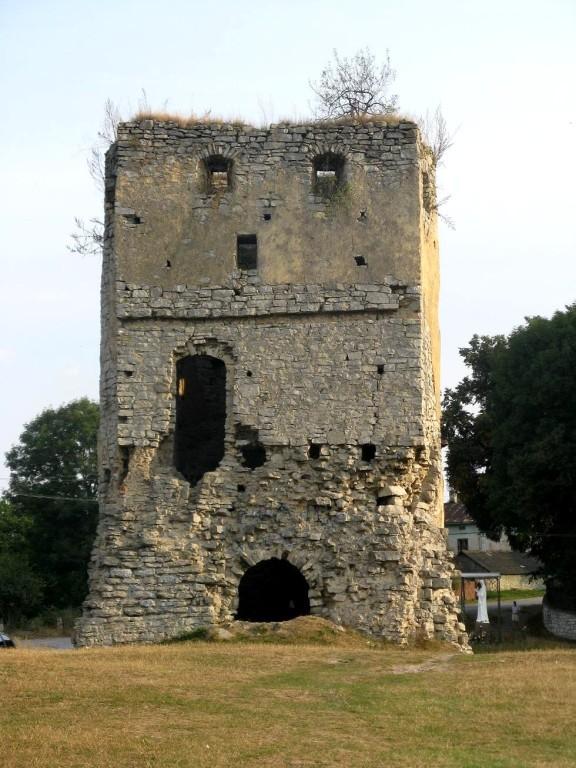 Сторожова вежа замку