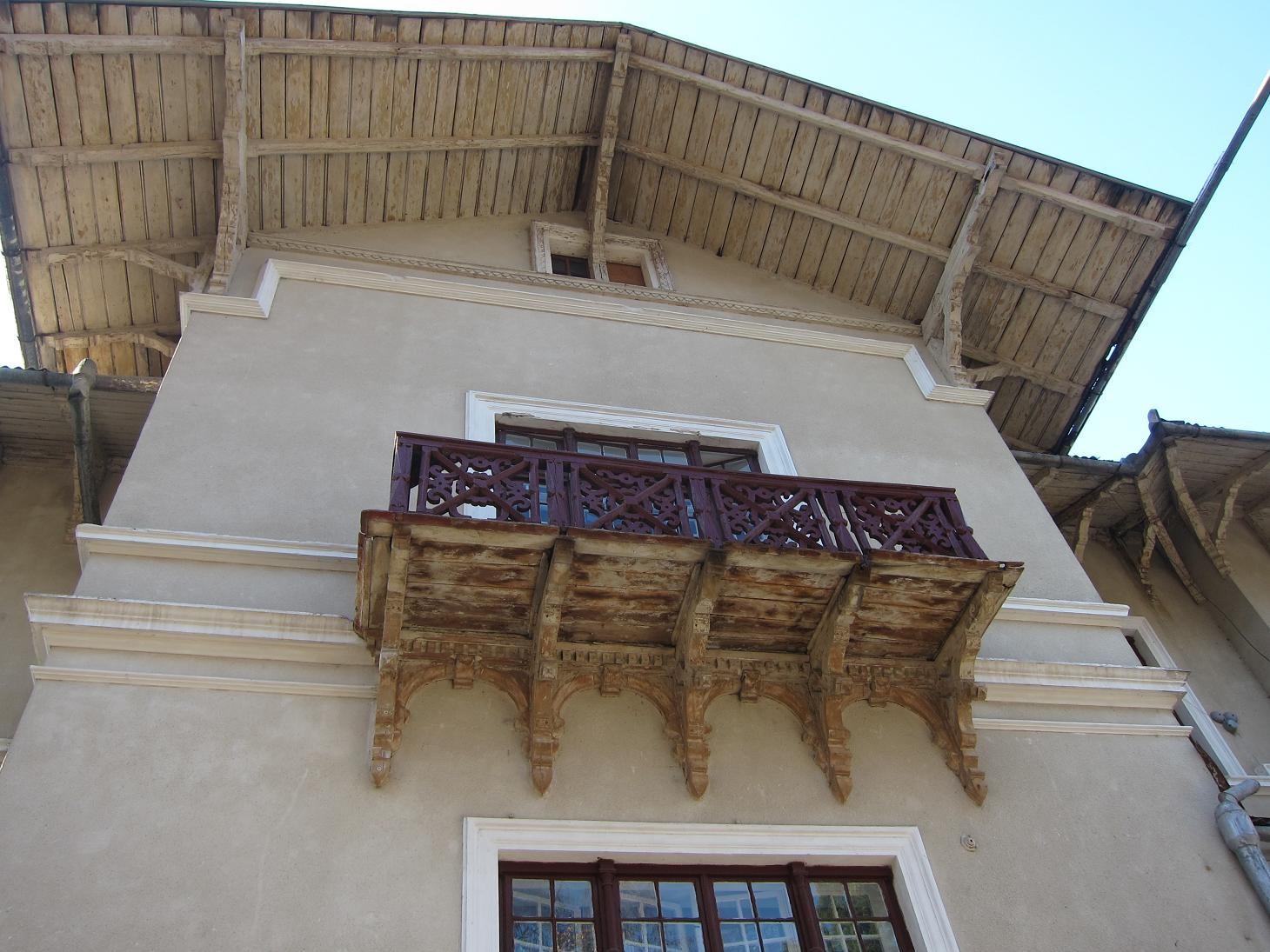 Балкон головного фронтону