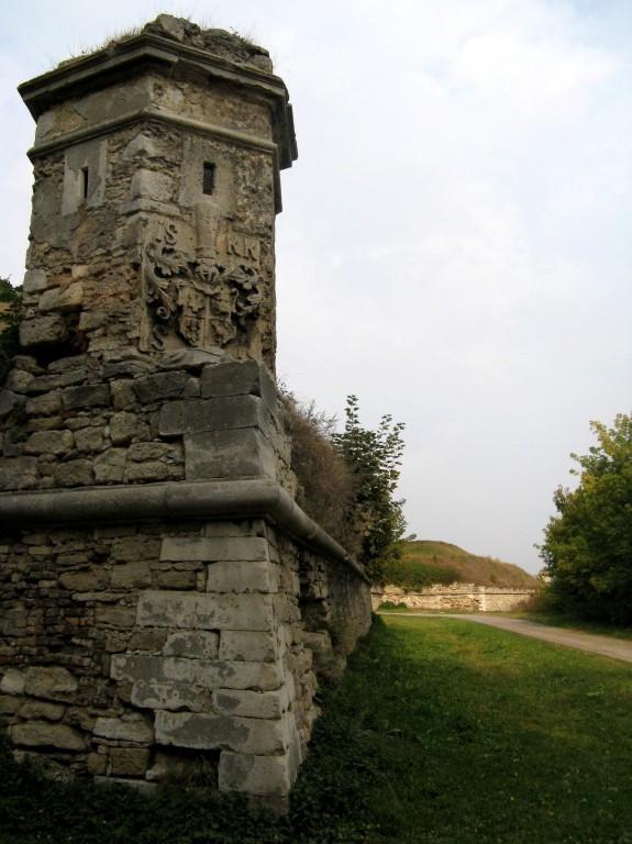 Золочів. Замок, Оборонні башти.