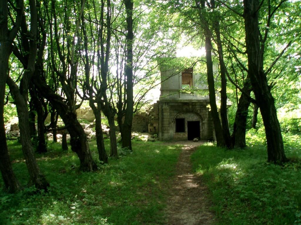 Сад замку