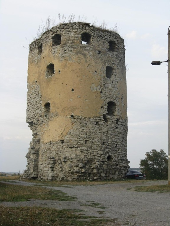 Вежа замку при в'їзді
