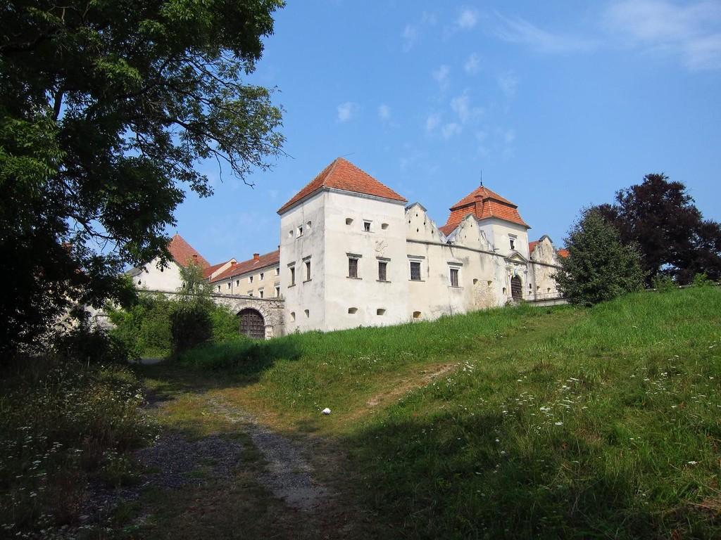 Замок з півдня