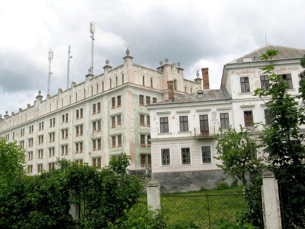 Палаци замку