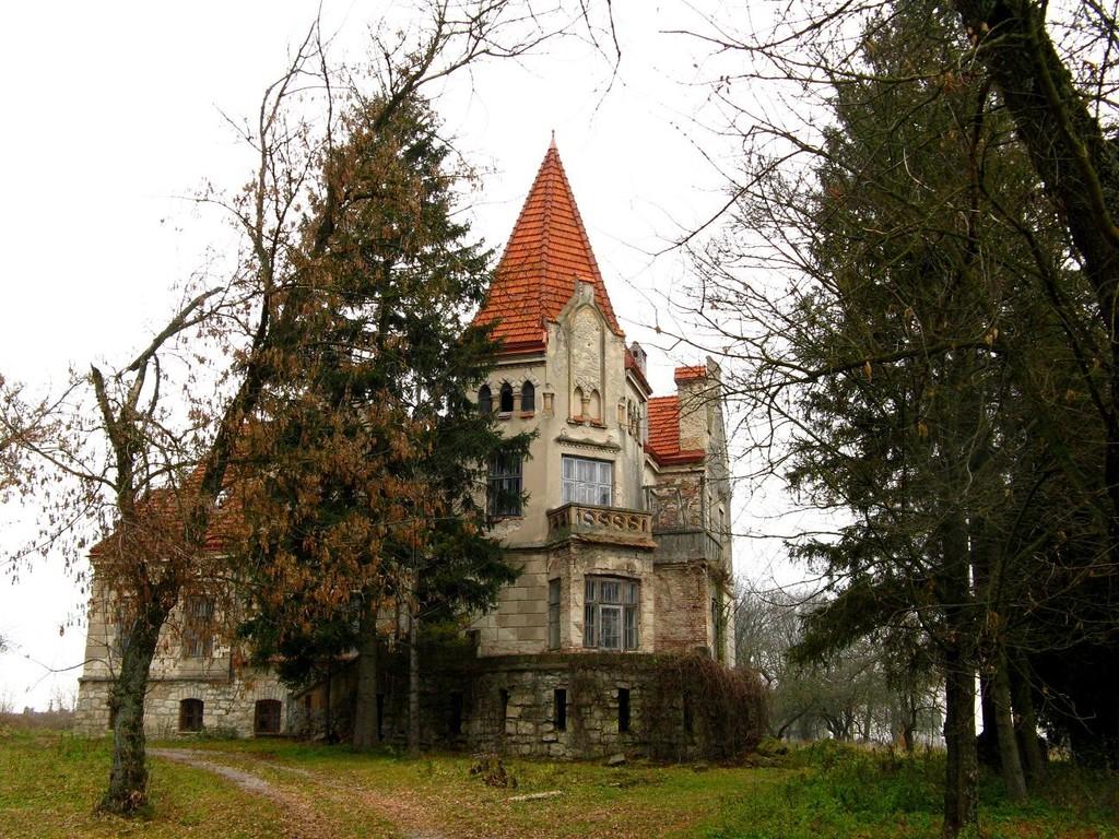 Палац з парку