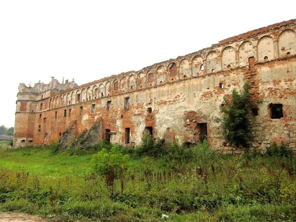 Східна стіна замку