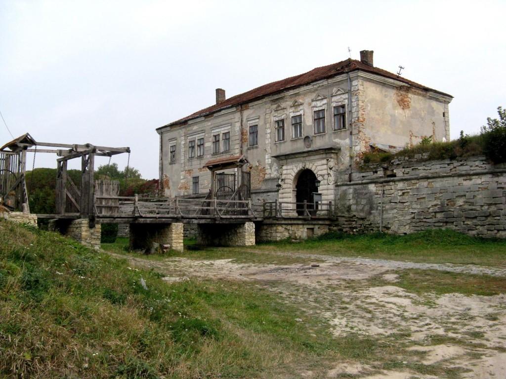 Ворота замку