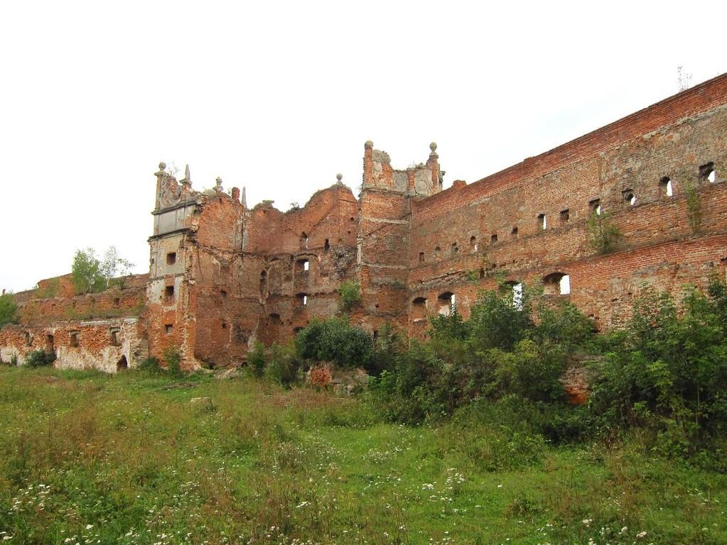 Південно-східна стіна та південна вежа