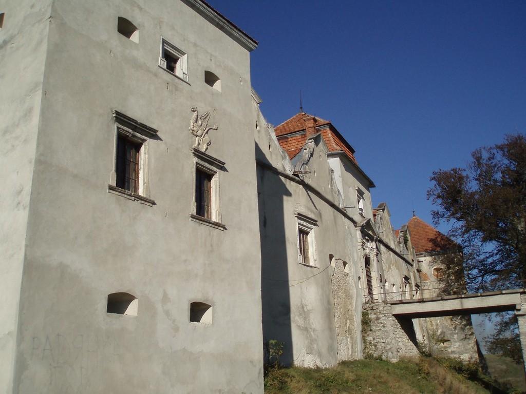 Східна частина замку