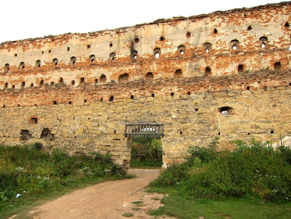 Ворота в північній стіні з дитинця