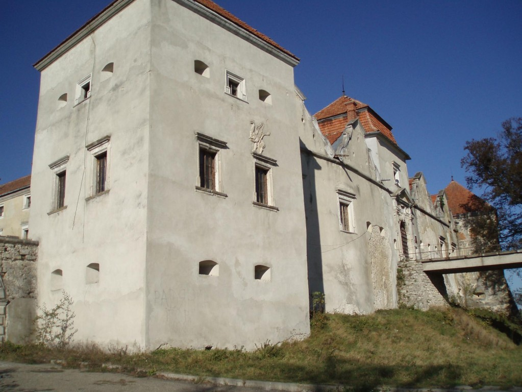Південна вежа замку