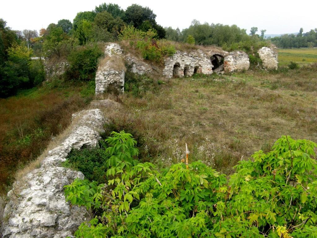 Західна стіна замку.