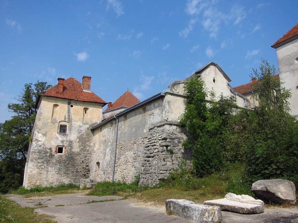 Нижній замок