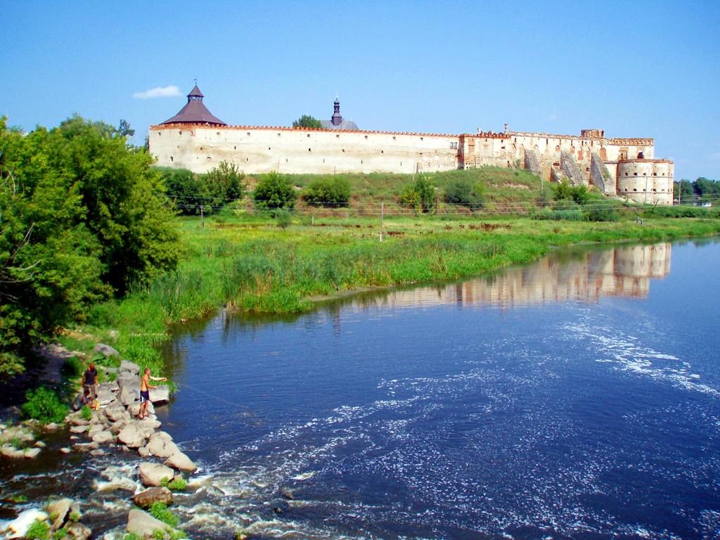 Фортеця з річки Буг.
