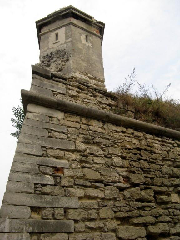 Золочів. Замок. Стіна, вежа.