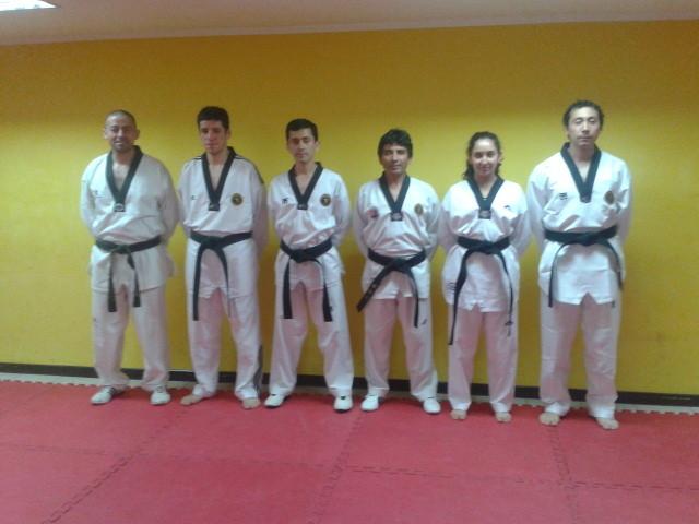Entrega Cinturones Negros 08-10-2014