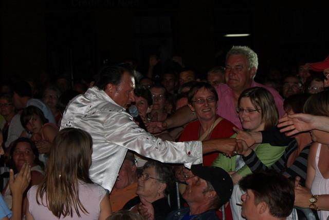 Ted Sanders dans la foule