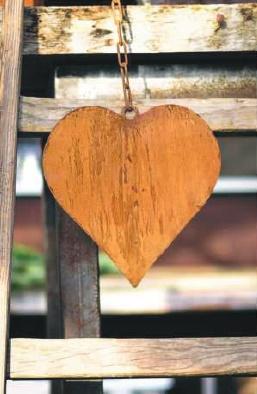 Edelrost-Herz als Gartendeko
