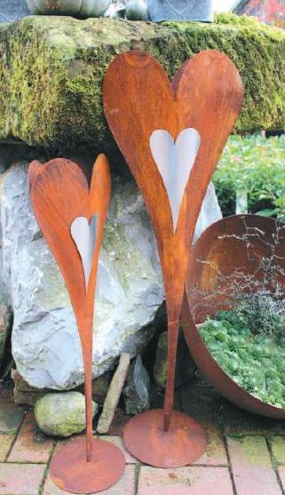 Stehendes Edelrost-Herz für Blumen und Pflanzen