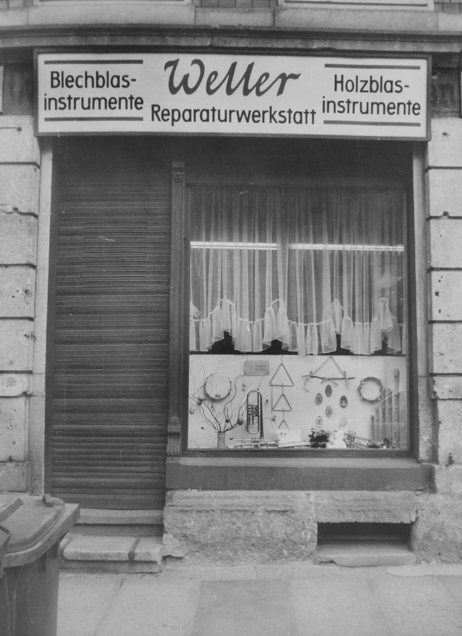 1991 Schaufenster Mohnstraße 50
