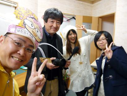 BSNのテレビ番組「ダイバン」の取材を受ける新潟の魔法の名刺屋(美写紋堂)