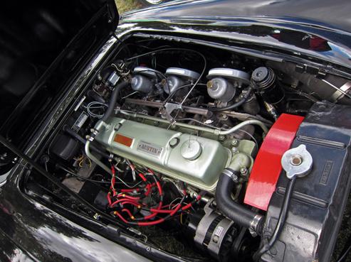 1961 Austin-Healey 3000 Mark II (BT7) dzinējs 29E tipa dzinējs, kas tika uzstādīts 3000 Mark II bija 2,912 sm3 (178 cu. in.), tam bija izmainītas sadales vārpstas, trīs S.U. HS4 karburātori, kas deva 132 zs(98kW) jaudu ar 226N/m(167 lb/ft) griezi.