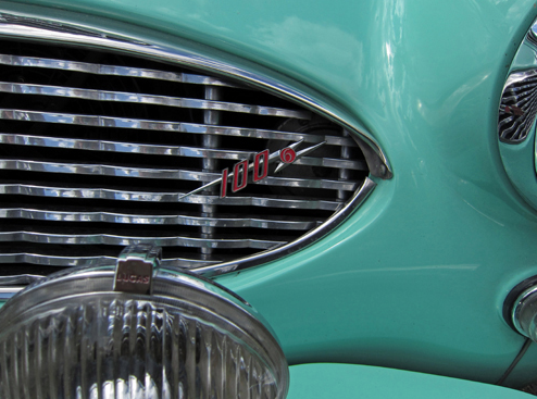 1959 Austin-Healey 100-6 (BN6) priekšējās restes logo.