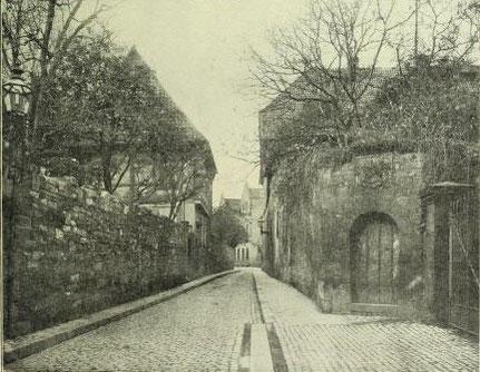 Bild 1: Anblick von der Poststraße nach Westen (Richtung Moritzberg)