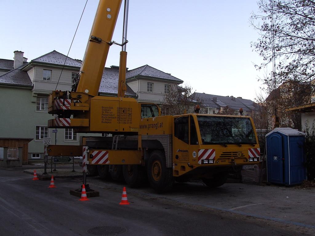 Beim Aufbau der Lüftung über dem Neubau