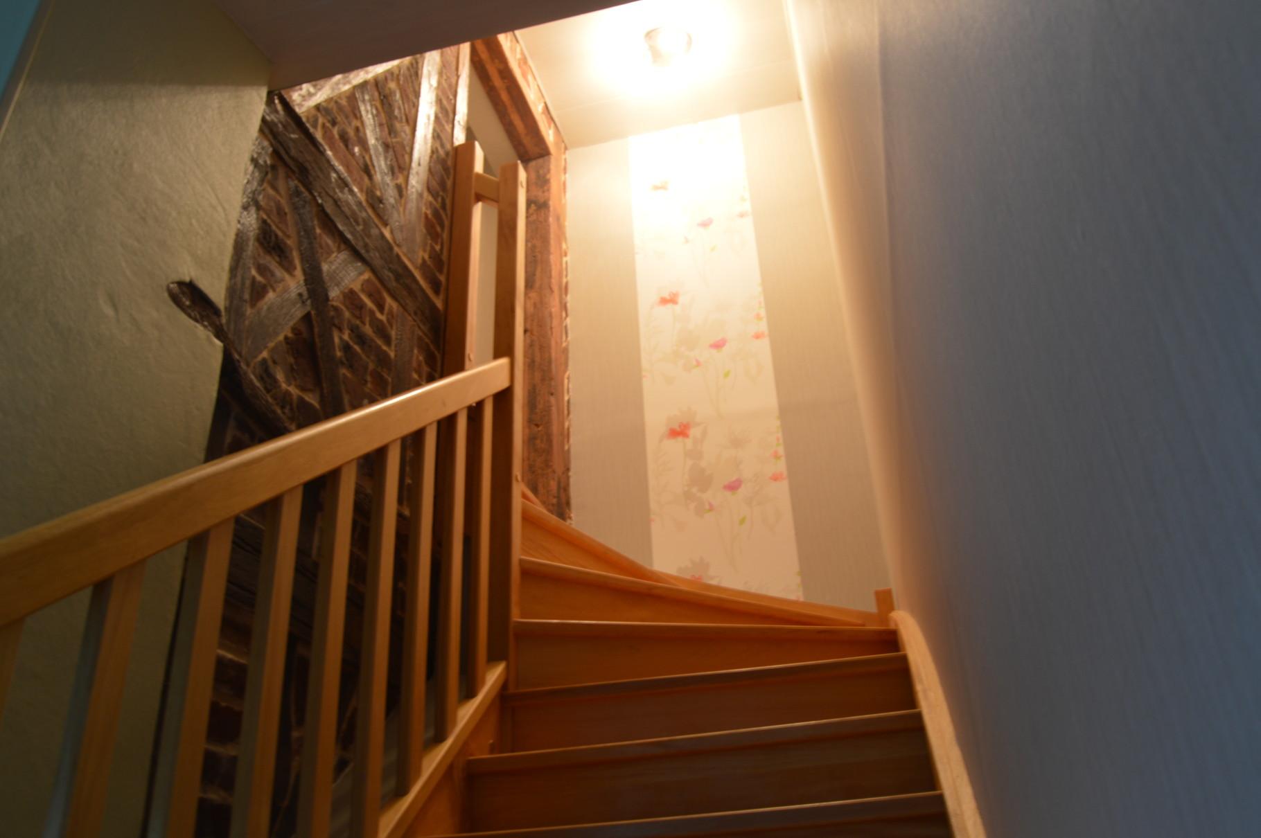 """Escalier d'accès à la chambre familiale """"Au fil des saisons"""""""
