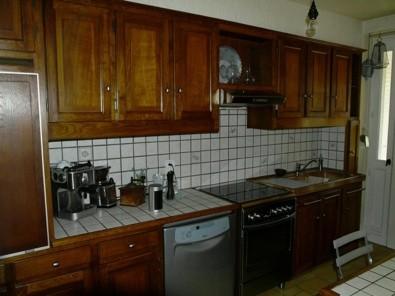 Prima...cucina rustica buia e piastrelle tristi
